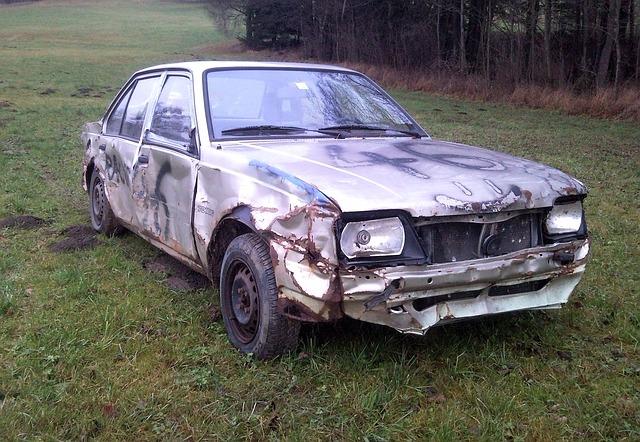 Free auto pkw passengers cars old opel scrap car scrap