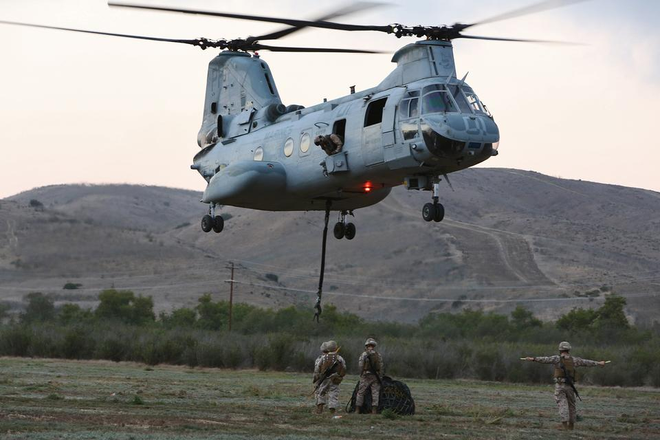 Free Cargo to the bottom of a CH-46 Sea Knight