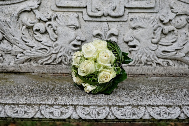 Free bridal bouquet roses white fulfillment