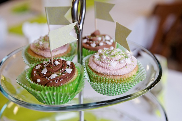 Free cupcakes benefit from muffin sweet chocolate