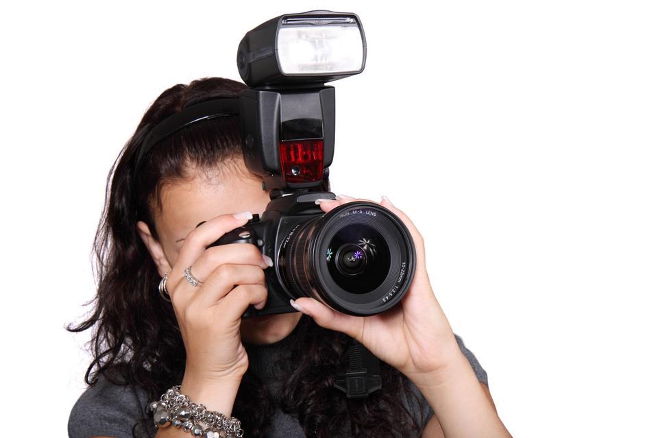 Free Female photographer