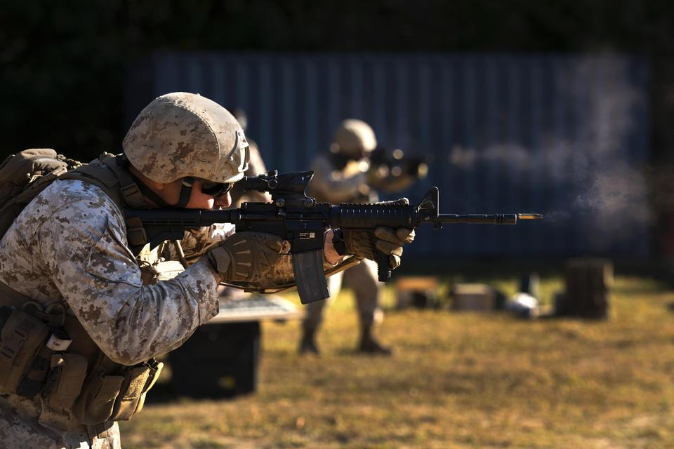 Free Training Battalion, fires an M-4 Carbine