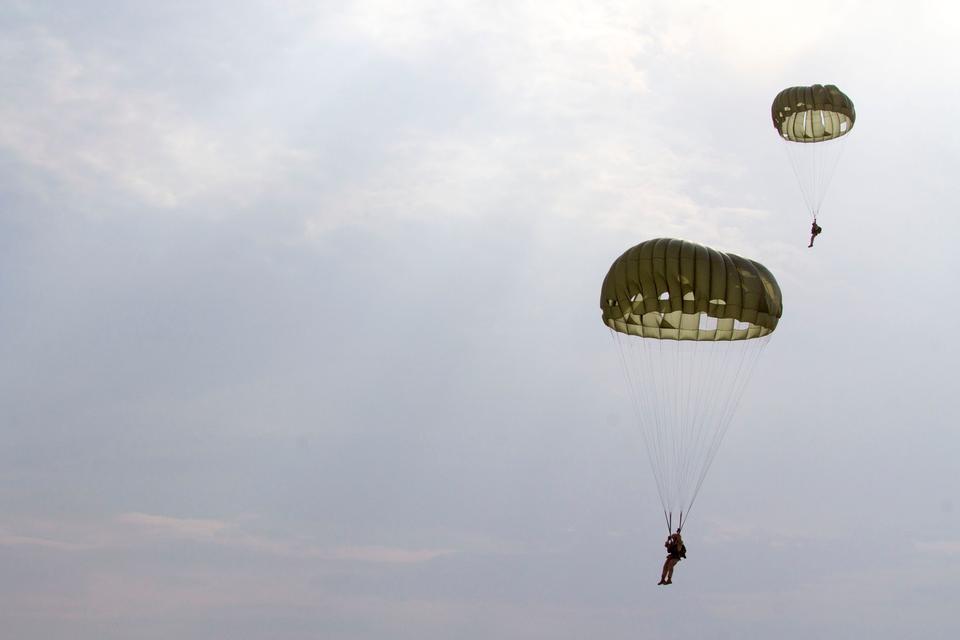 Free U.S. Marines Battalion Landing Team