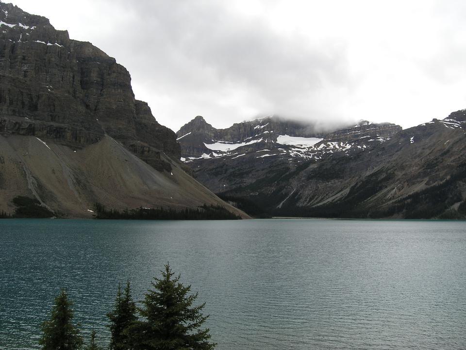 Free Banff hiking. Lake Agnes Trail