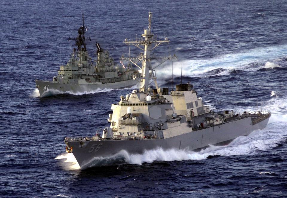Free HMAS Brisbane Shoalwater Bay  Australia