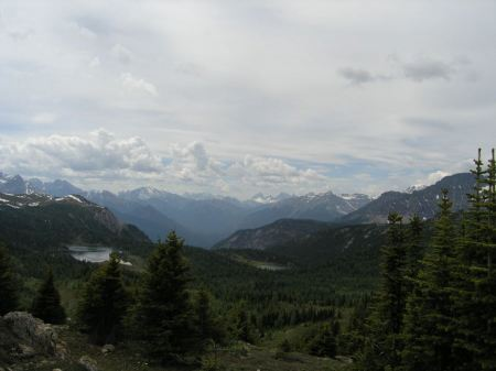 Free Spectacular alpine walking and hiking Sunshine Meadows