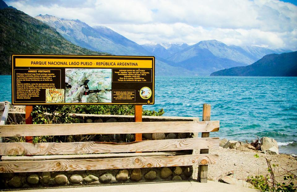 Free Puelo Lake Argentina