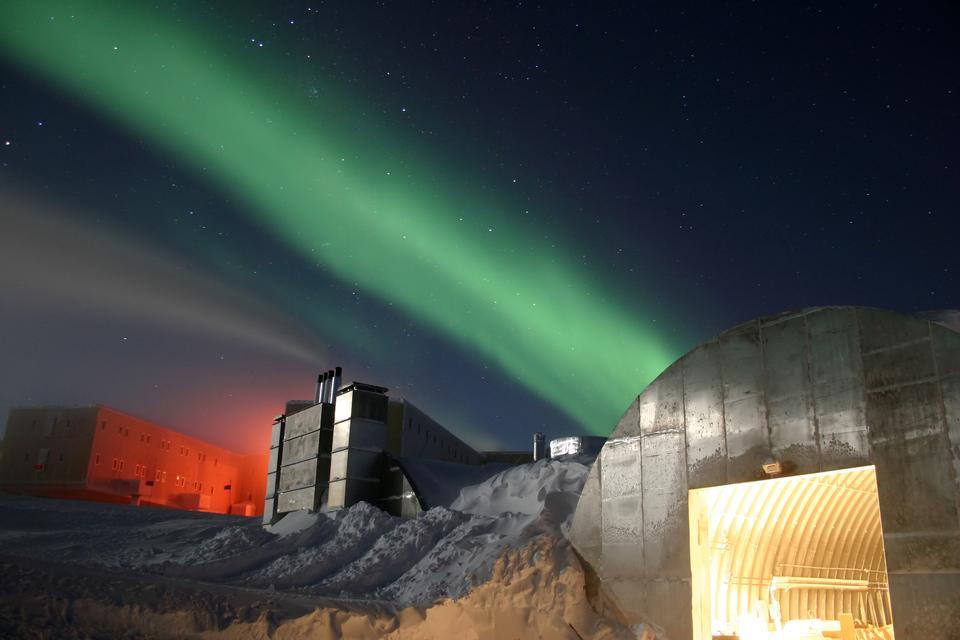 Free Amundsen-Scott South Pole Station