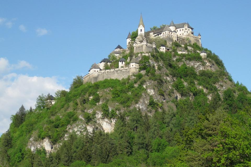 Free Hochosterwitz Castle in Austria