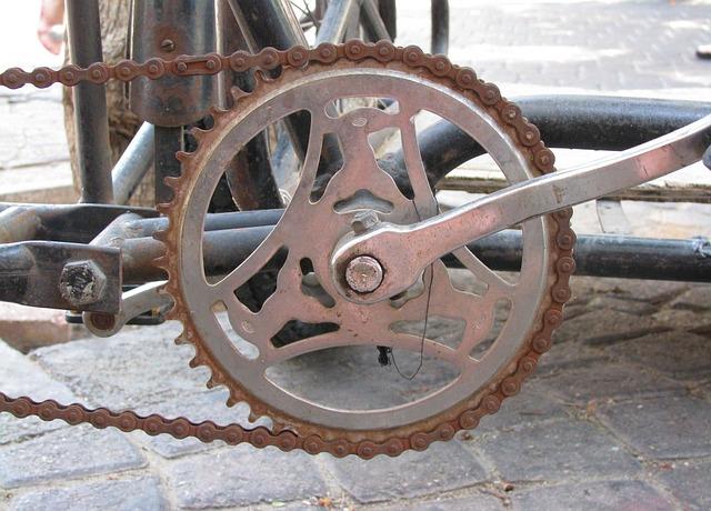 Free bicycle rusty metal old bike chain