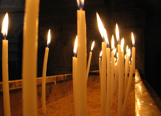 Free church candles light burning