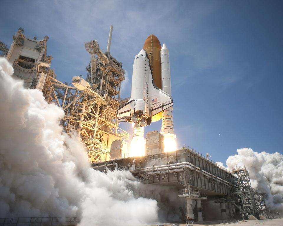 Free NASA Space Shuttle Discovery Rocket Take Off