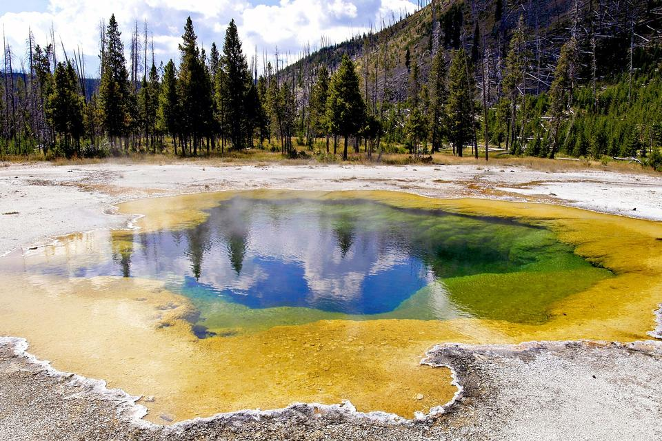 Free Hikes Near Mammoth - Yellowstone National Park