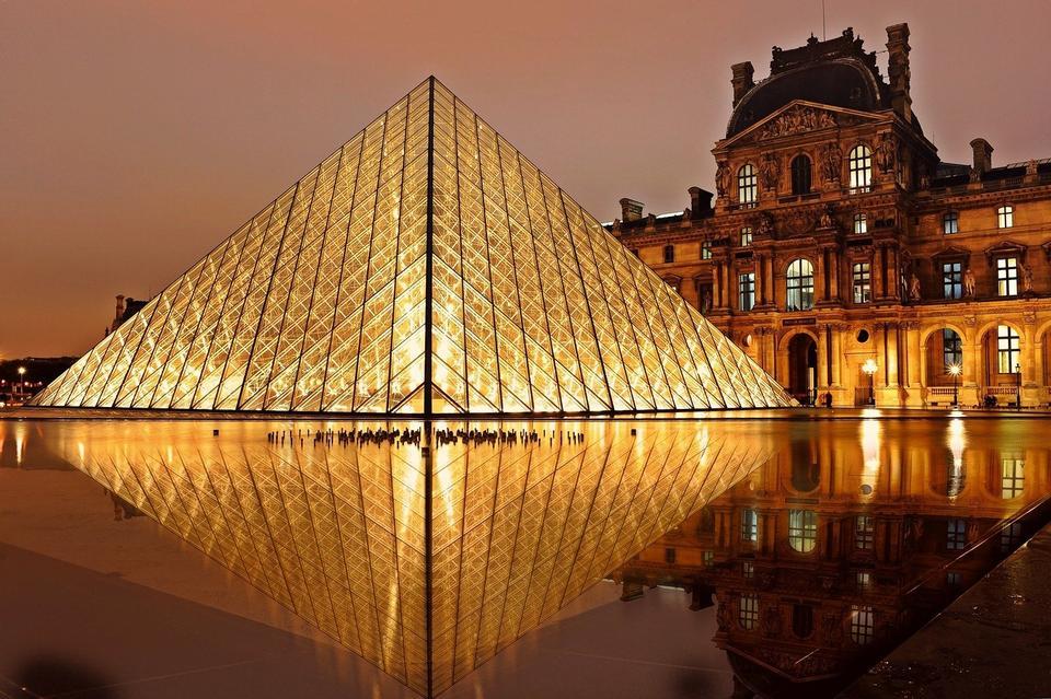 Free Louvre Museum Pyramid Paris Architecture
