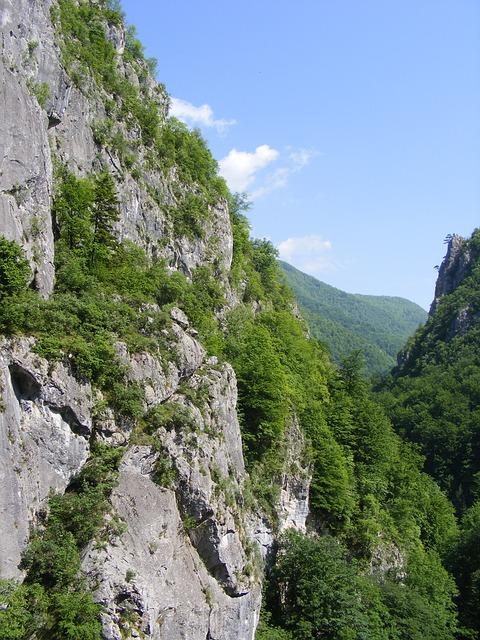 Free cerna godeanu mountains retezat road travel