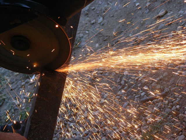 Free angle cutting fire grinder heat metal sparks