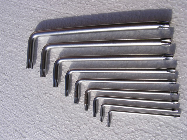 Free equipment fix folding key repair set star tools