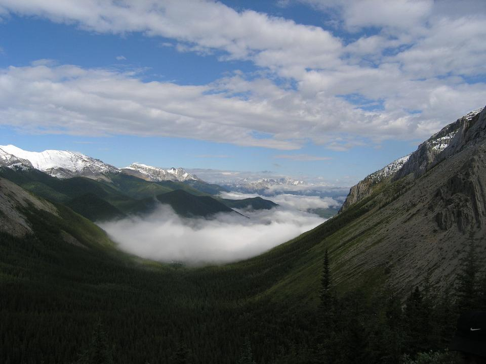 Free Canadian Rocky Mountain Parks trekking