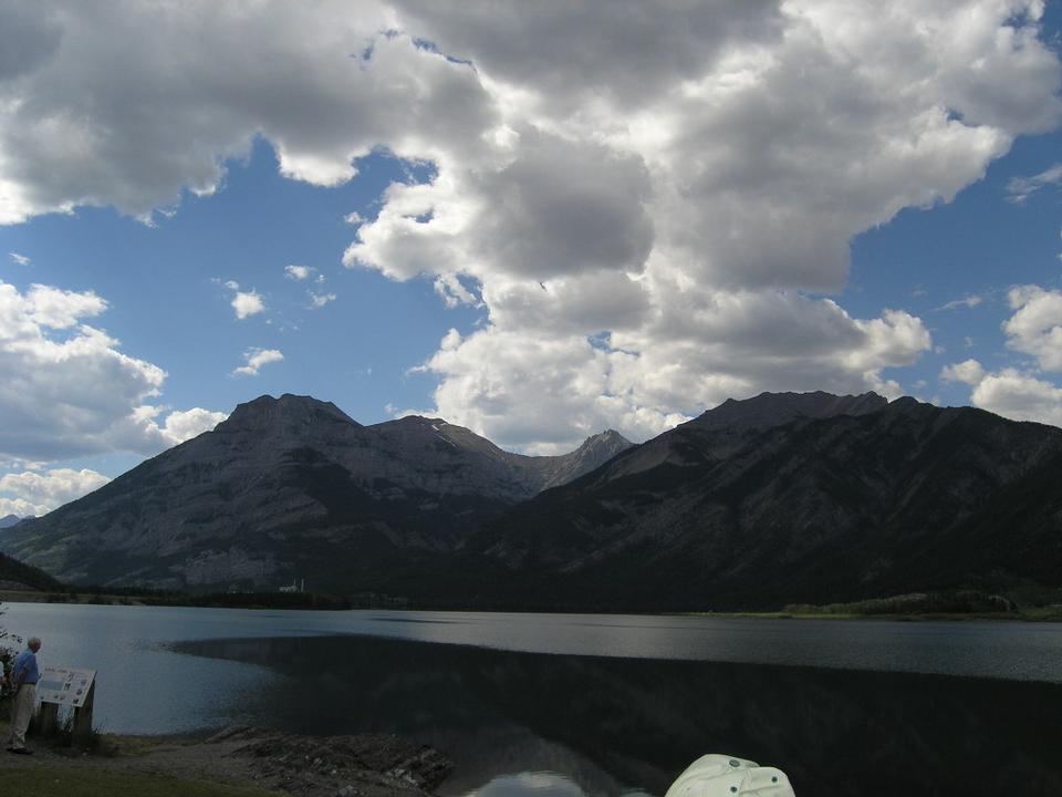 Free Canadian Rocky Mountain Parks trekking