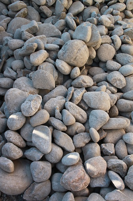 Free boulders close-up pebbles pile rocks round stones