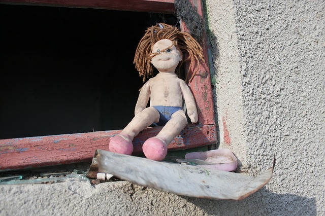 Free abandoned doll old ugly toys