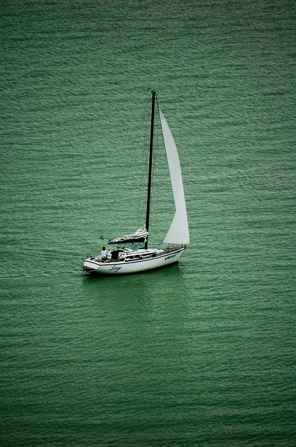 Free sailing lake balaton sailing boat tihany boat