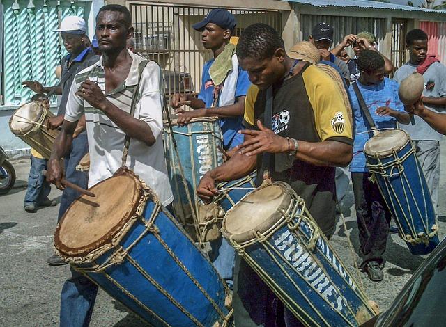 Free venezuela village villagers drums men boys