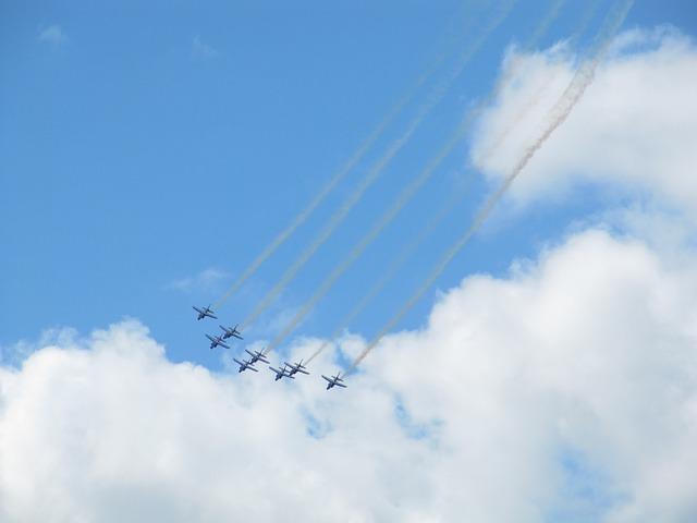 Free flight fly flugshow flight staffel aerobatics