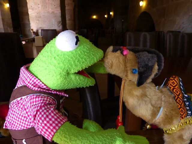Free kermit frog green camel kiss like love