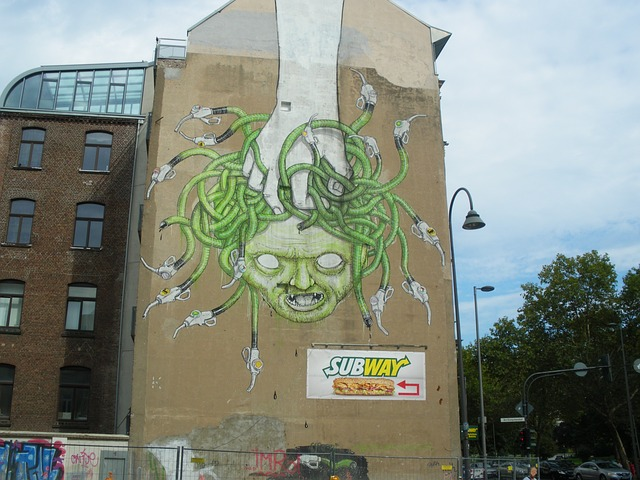 Free hauswand graffiti cologne medusa housewife