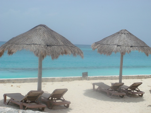 Free beach rest relaxation holiday palapas sea cancun