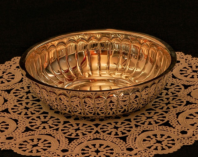 Free bowl dish container silver gold vermeil doily