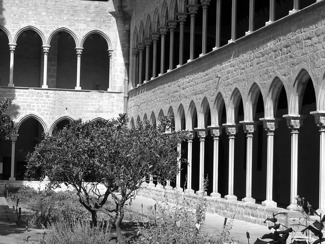 Free monastery spain old columns arches classic