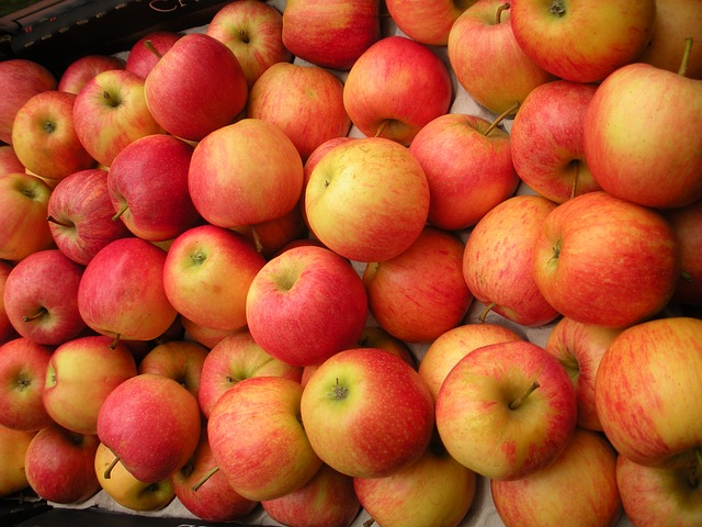 Free Photos: Greengrocer fruit crate apples fresh red yellow | Susbany