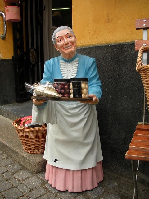 Free shop decoration painted plaster figure older woman