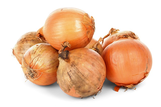 Free onion bulbs food fresh healthy ingredient isolated