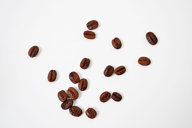 Free coffee beans coffee bean café white background