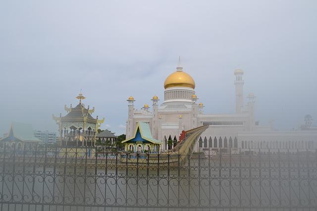 Free mosque golden brunei bandar seri begawan