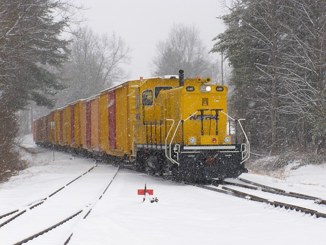 Free train locomotive cars winter snow ice landscape
