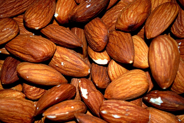Free almond almonds roasted roast nut food kernel