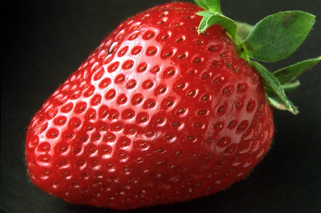 Free                strawberry sweet red delicious