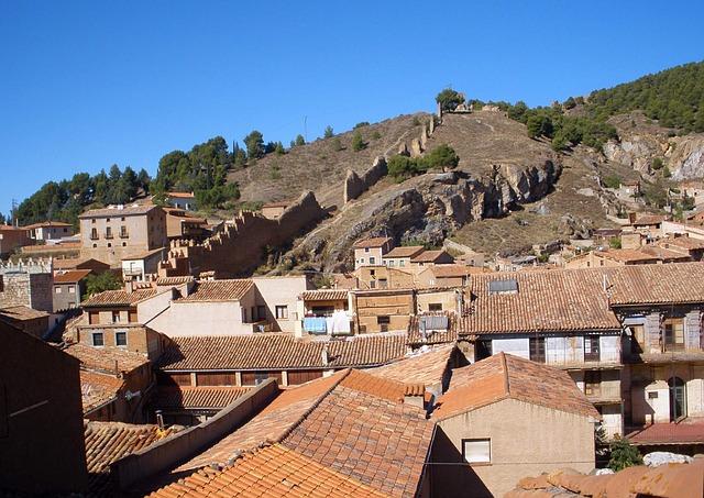 Free daroca spain mountains trees houses homes