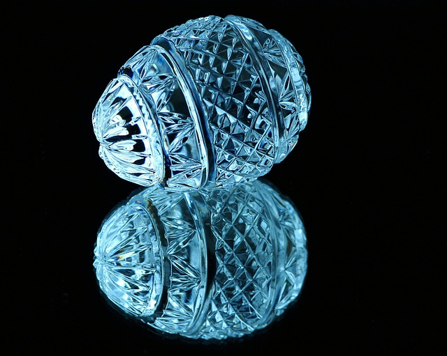Free                crystal egg cut glass mirror image facets blue ice