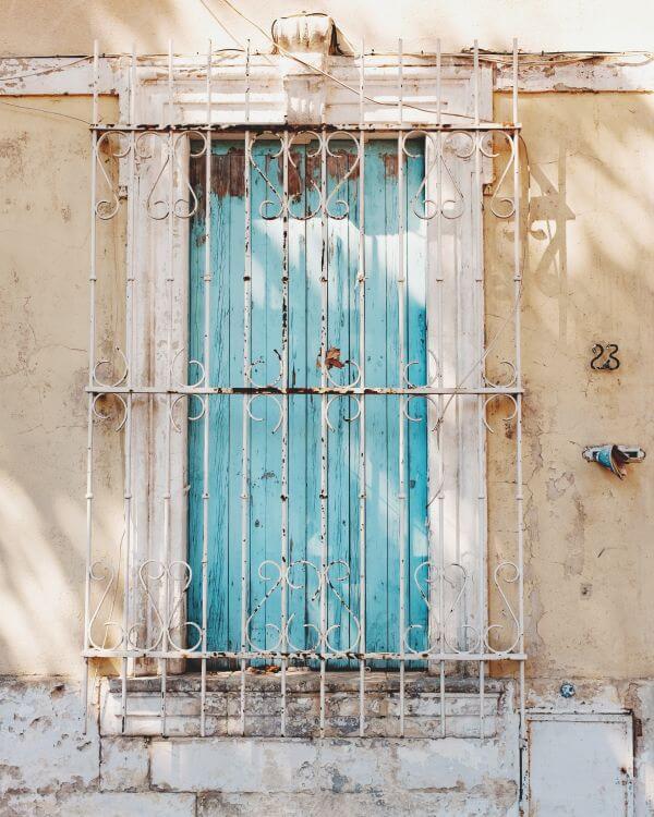 Free Arles