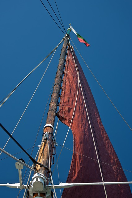 Free sail red red sail mast rigging old thames barge