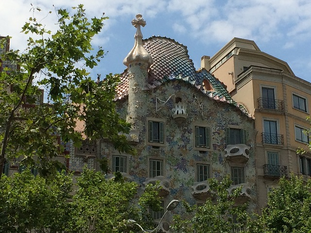 Free gaudí barcelona spain monument construction arts
