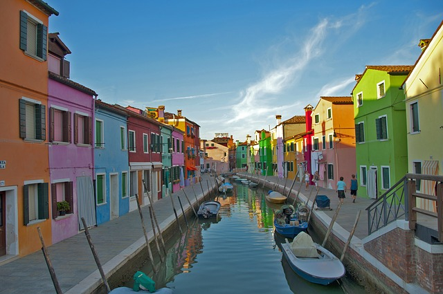 Free venice burano house river colorful