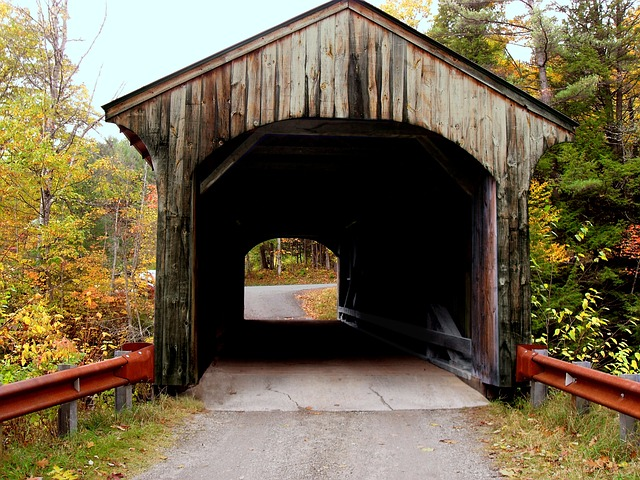 Free covered bridge vermont crossing countryside