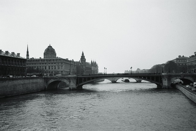 Free its paris river bridge black and white city water