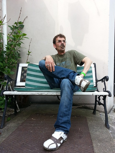 Free chef cool cigar smoking man sit bank casual